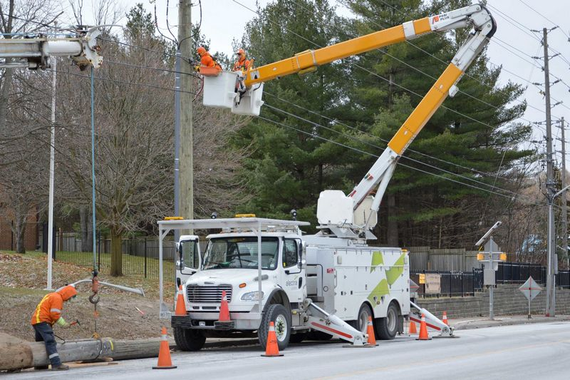 Alectra working through the night to restore more than 25,000 customers